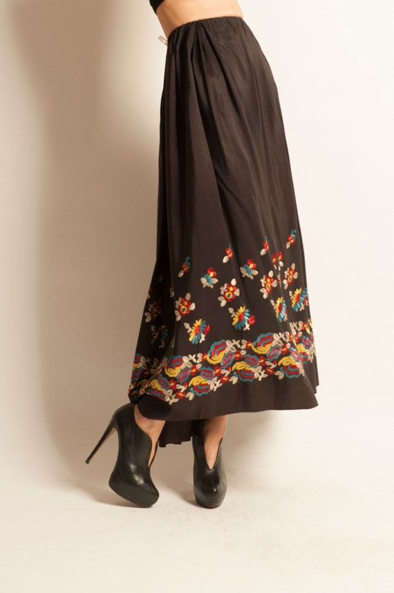 Long flared skirt from 1950's embroidered