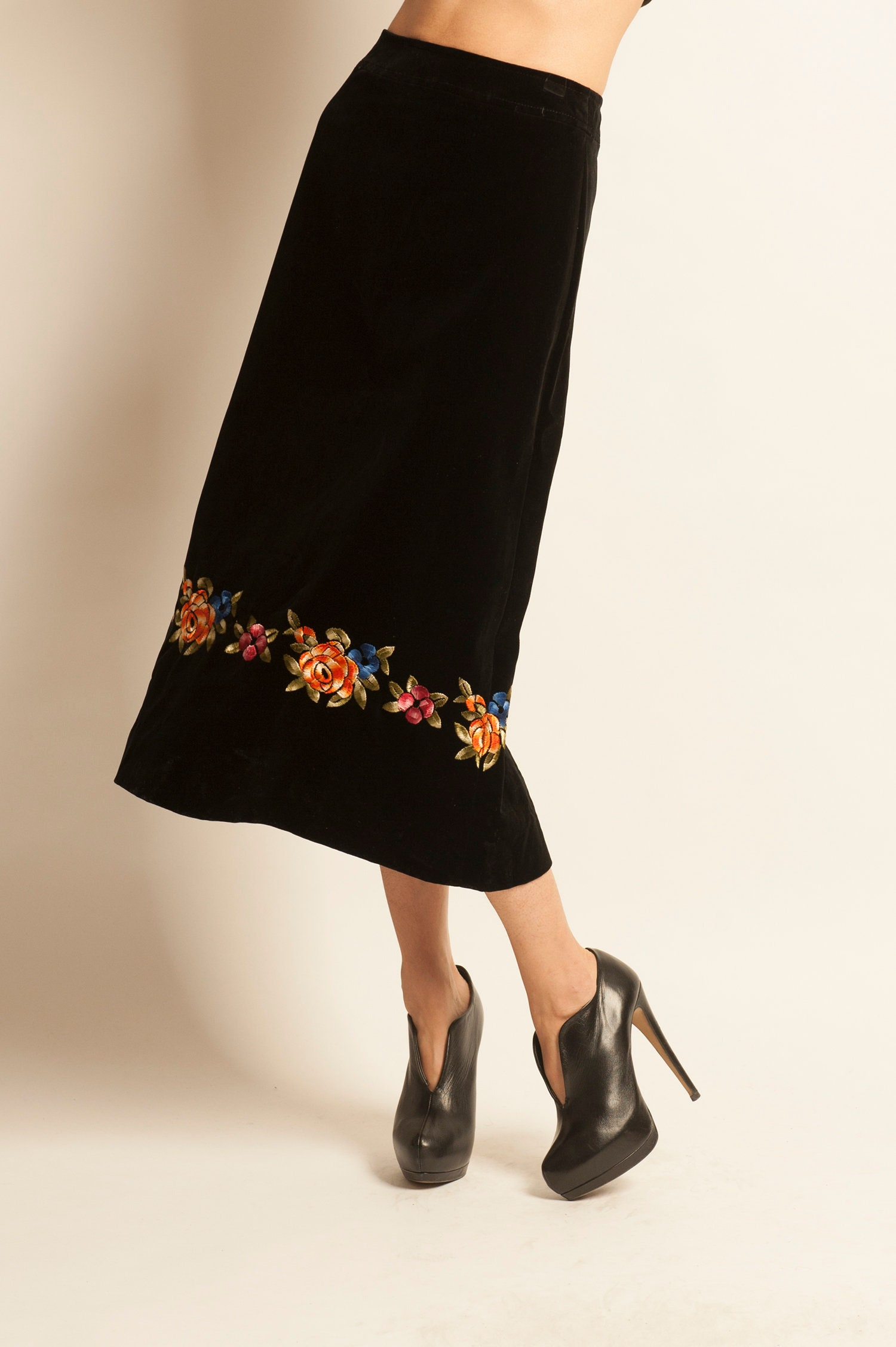 f252a633e684b8 Long pencil skirt CELINE from 1970's