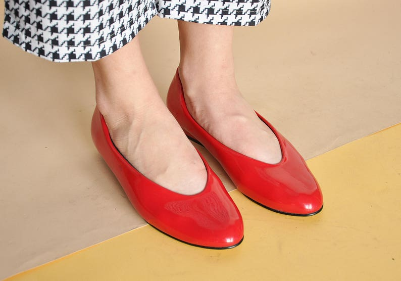 4682f51c8aaa2 90s MOD flats FLAT shoes RED shoes red flats minimal flats minimalist flats  funky flats pointy flats red ballet / size 6.5 us / 4 uk / 37 eu