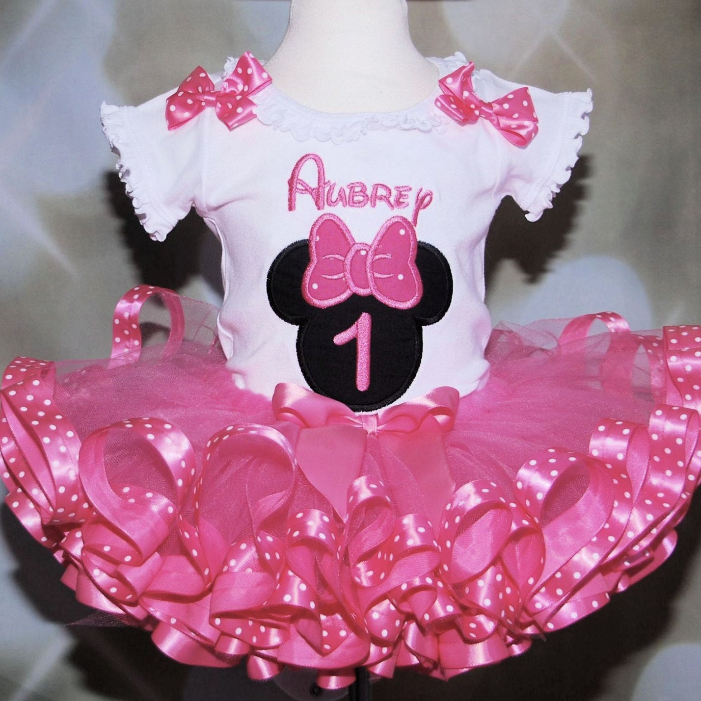 1st birthday girl outfit Minnie Mouse Icon pink