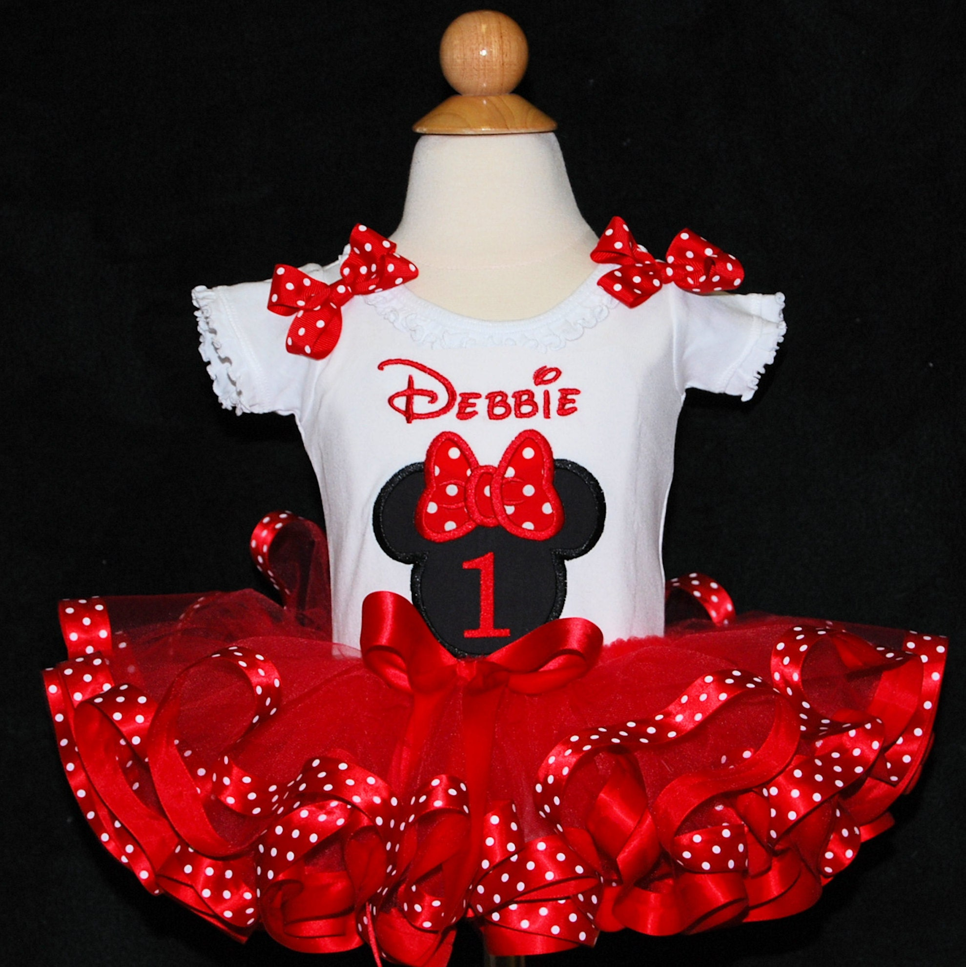 Minnie Mouse 1st Birthday Outfit, 1st birthday girl outfit, personalized shirt, top ,tutu, bloomers and bow, free shipping
