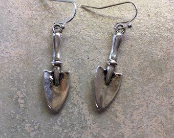 Gardener earrings, gardening lover gift, trowel earrings, perfect for a gardener, horticulturist gift, gardening mad