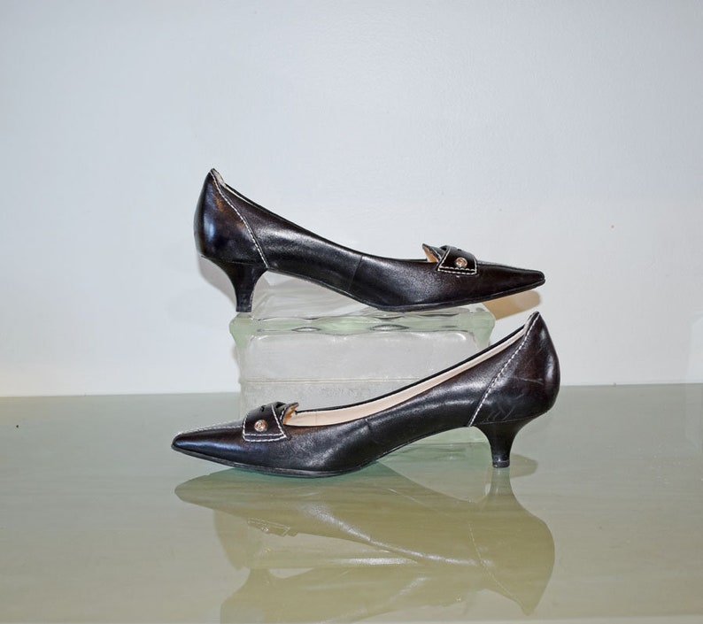 88e939e4373 Anne Klein Pointed-Toe Kitten Heel Pumps Black Leather with