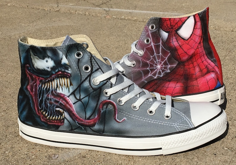 13dc341e577164 Spiderman and Venom custom Converse All Stars