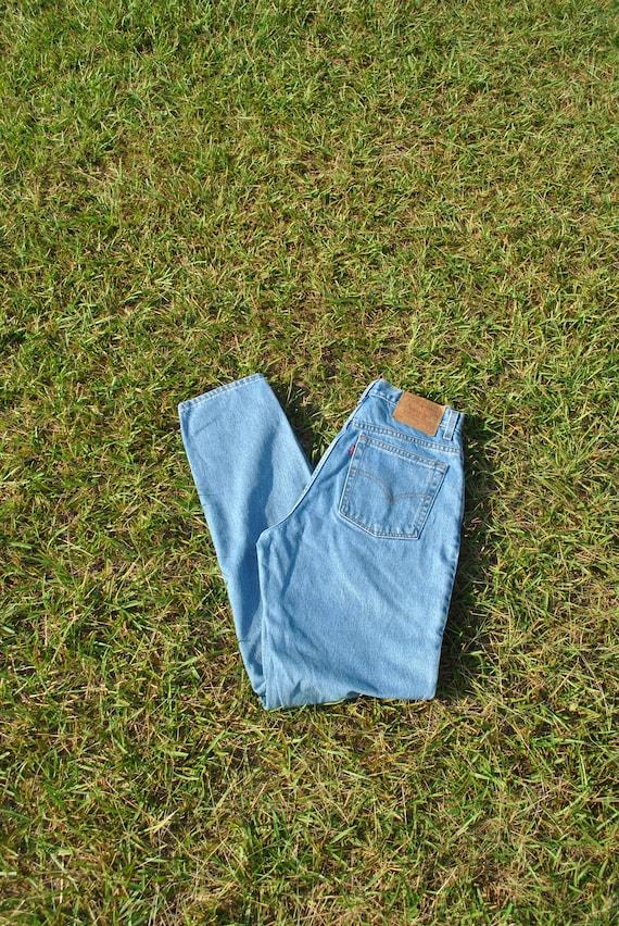 Vintage 90s Levis Jeans - image 3