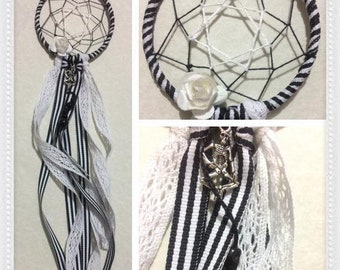Dream Catcher with skulls and roses. 3 Inches