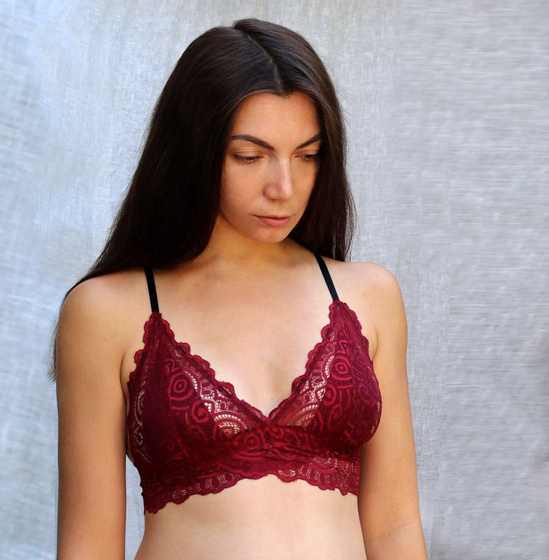 Lace Bralette. Burgundy Scalloped Edge Bra Top. Wireless Bra.  b1a589a3e
