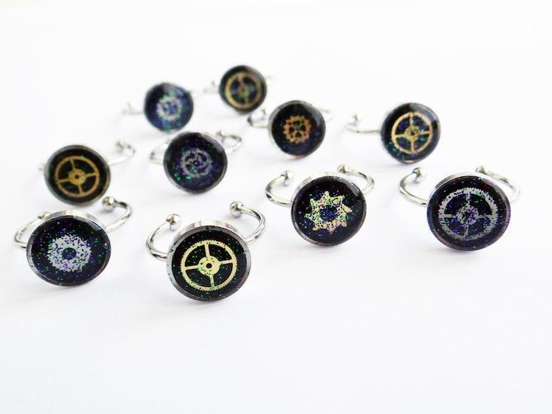 Modern ring Minimalist ring Gear ring Iridescent ring Glitter ring Steampunk jewelry Alternative engagement ring Resin ring Adjustable ring