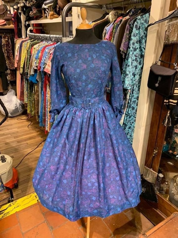 Gorgeous 1950s day dress