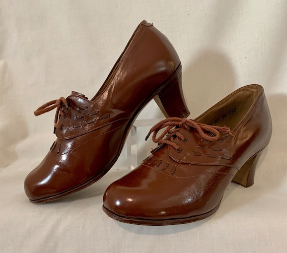 1940s leather lace-ups