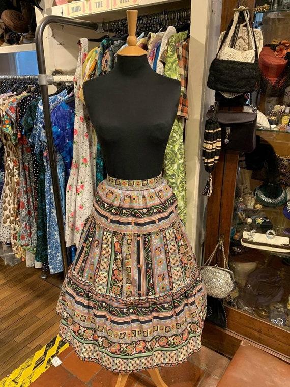 Lovely 1950s cotton skirt