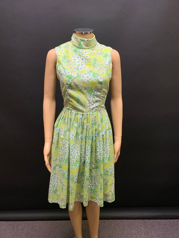 Pretty late 50's day dress