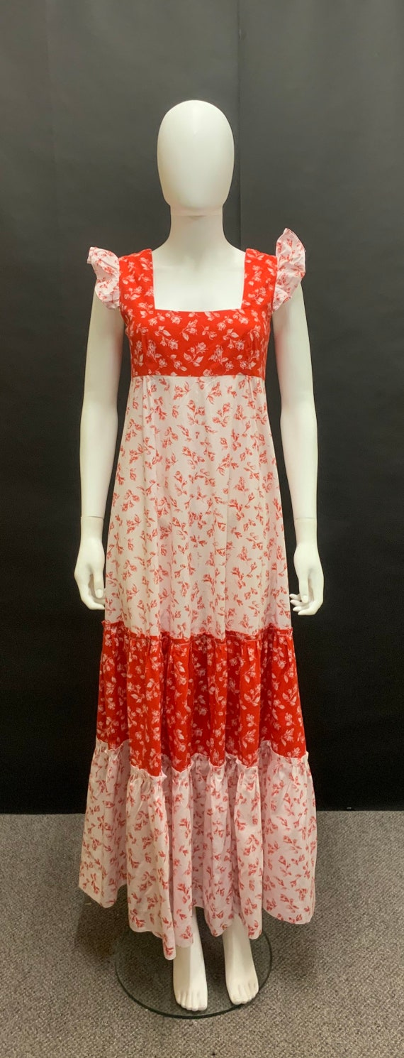 Gorgeous 1970s cotton prairie dress
