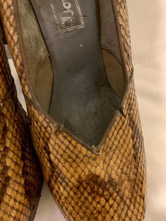 1940s snakeskin pumps - image 5