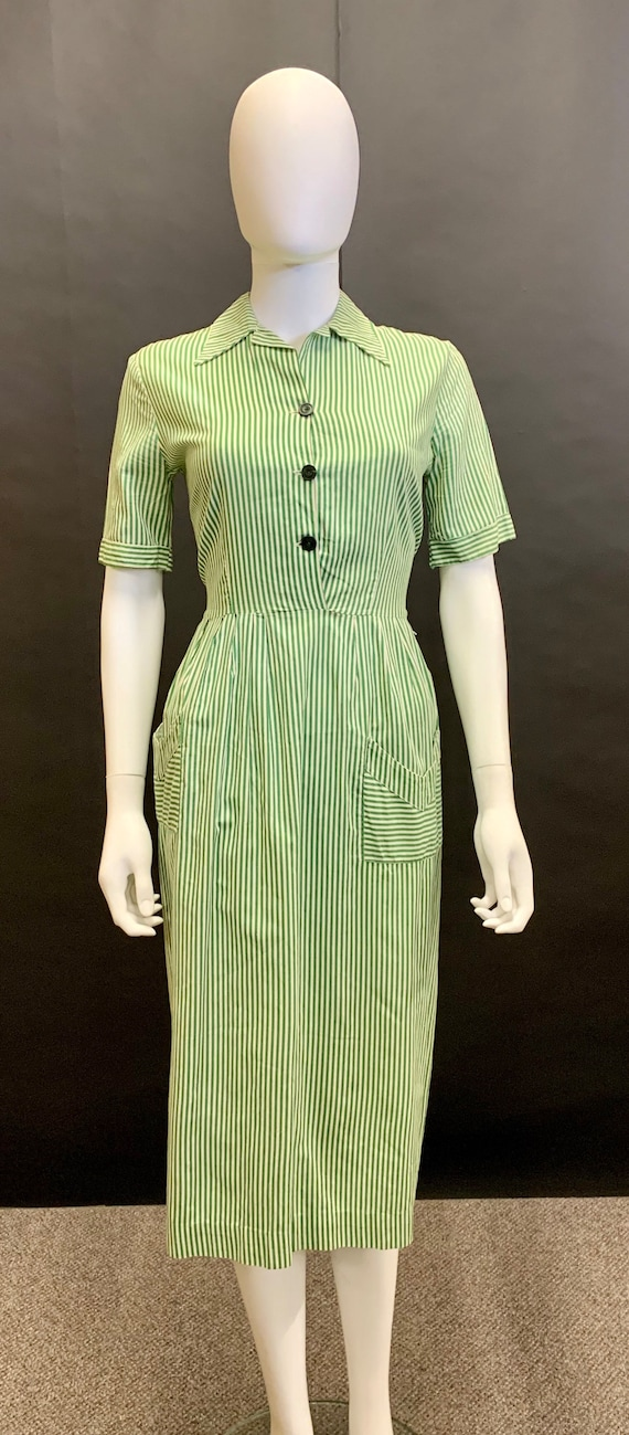 Early 1940's cotton day dress
