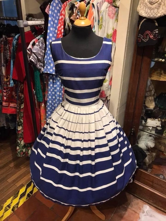 Cute 50's cotton day dress