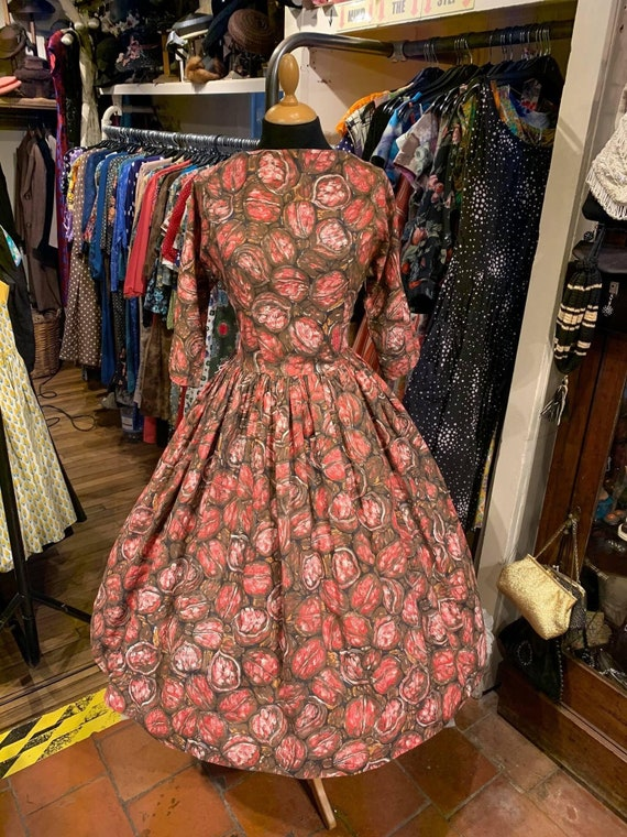 STUNNING 1950's novelty print dress