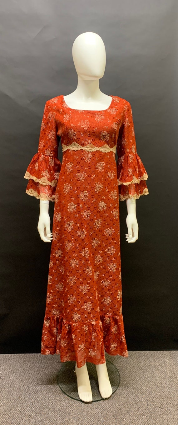 1970's volup printed lace dress
