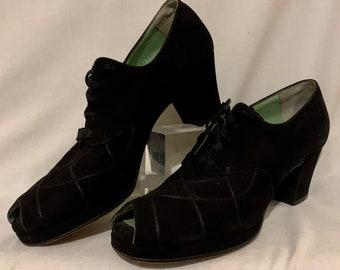 1940s peep toe lace up pumps