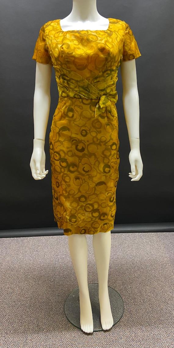 Gorgeous late 50's wiggle dress