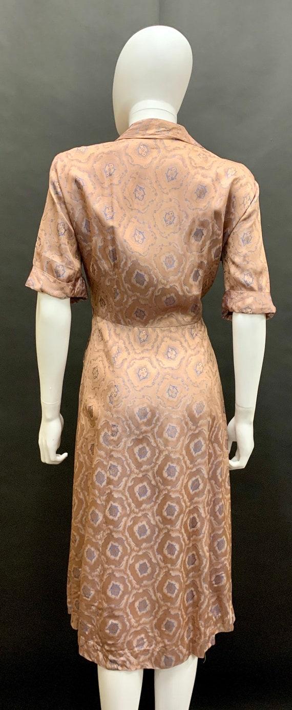 Stunning volup 1940's brocade dress - image 3