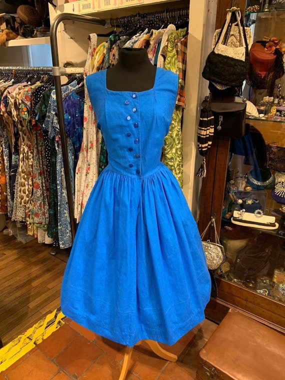 Cute 50's day dress