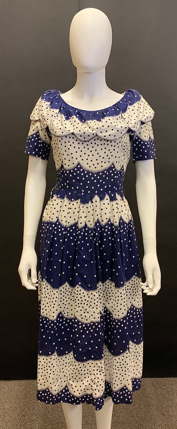 Lovely 1940s cotton day dress