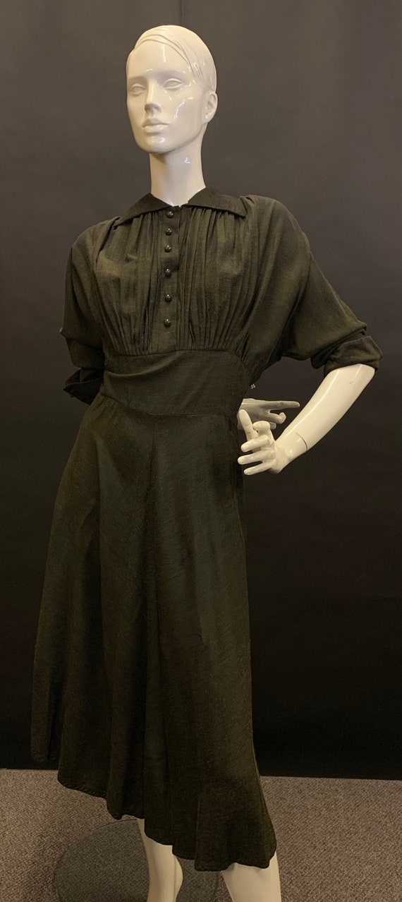 Lovely 1940s day dress