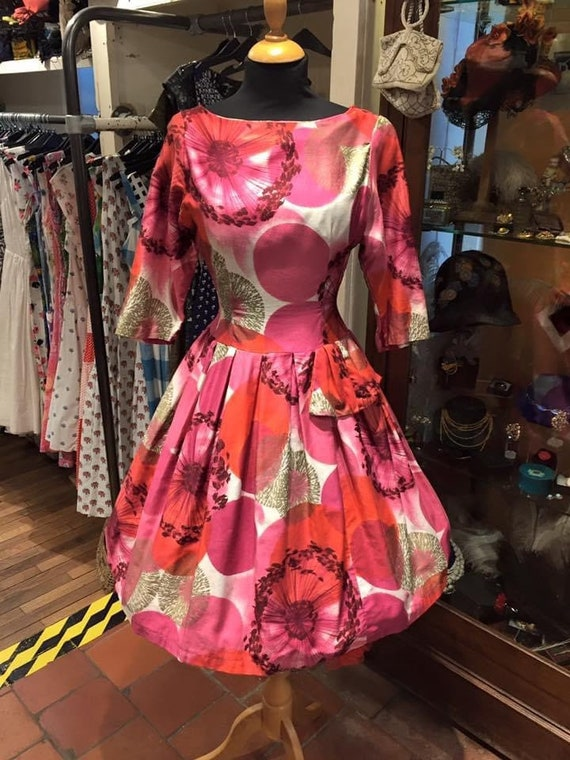 Pretty 1950s day dress
