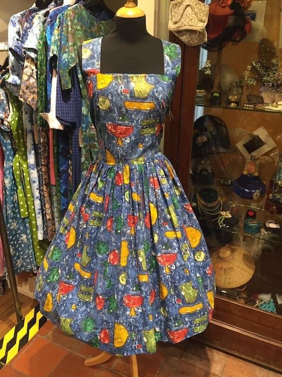 Gorgeous 1950s novelty print day dress