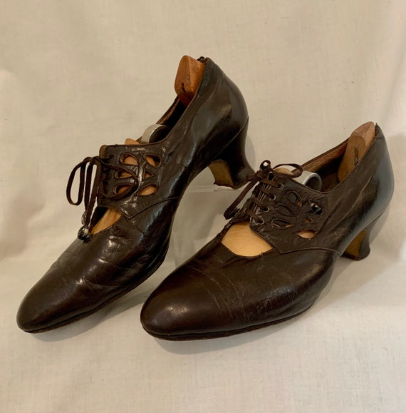 1920s leather shoes