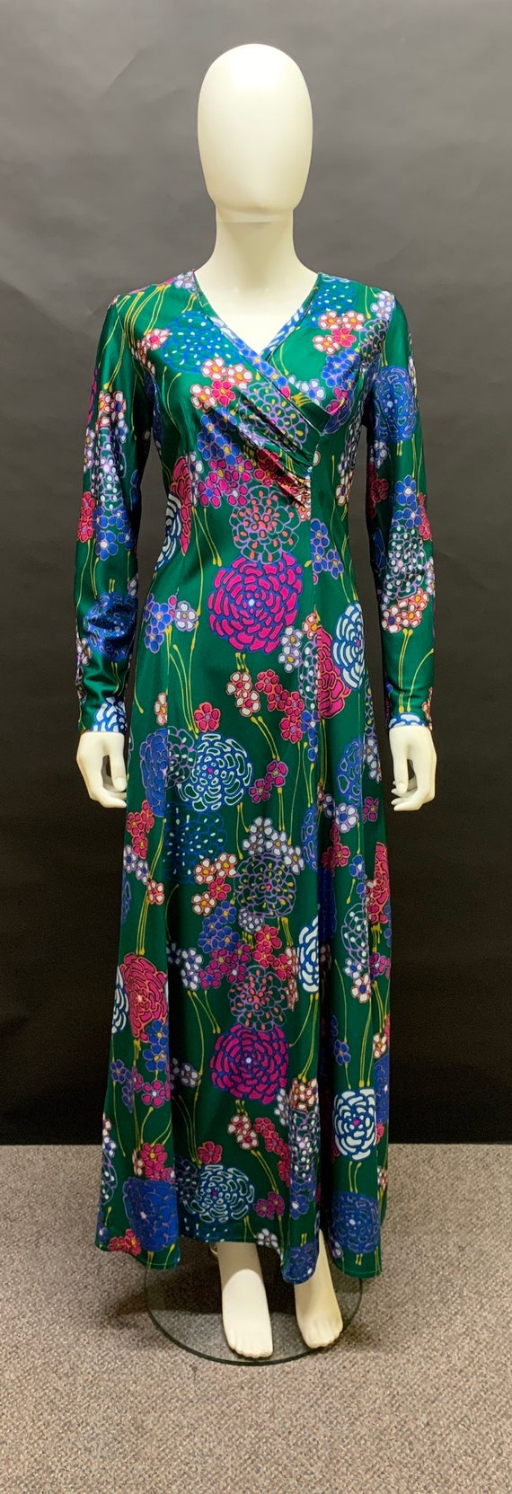 Lovely 70's volup maxi dress