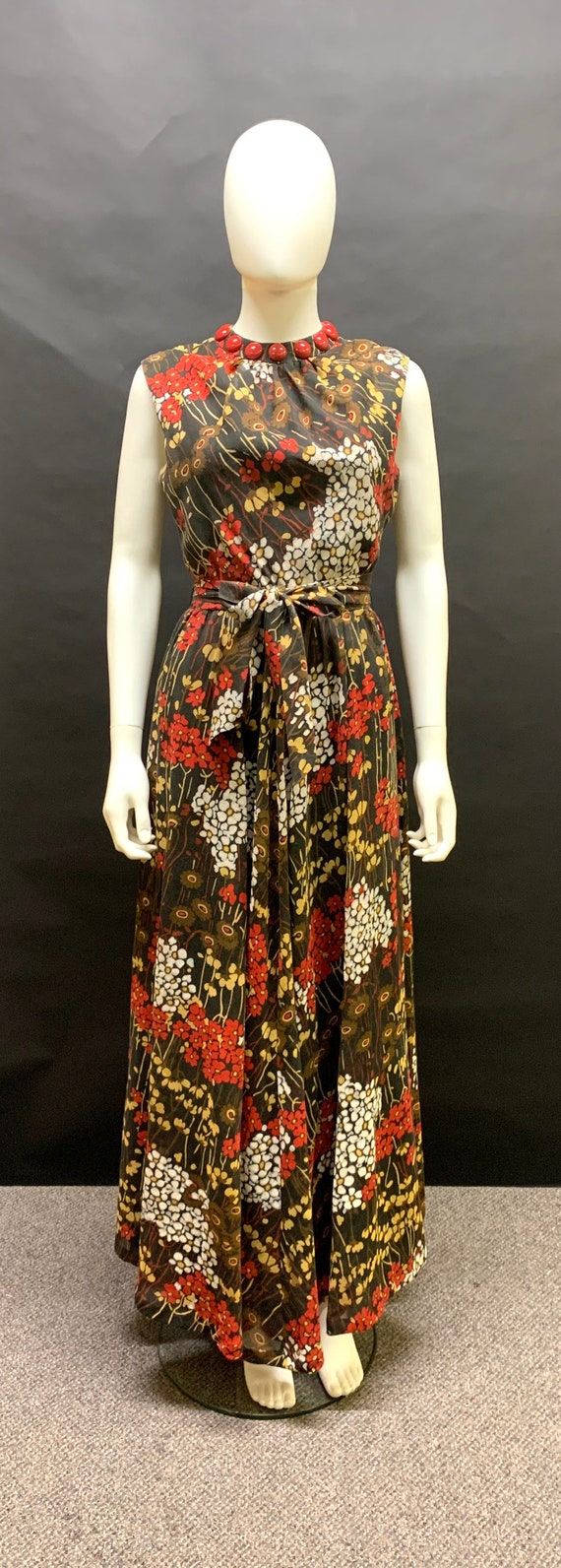 Lovely 1970s maxi dress