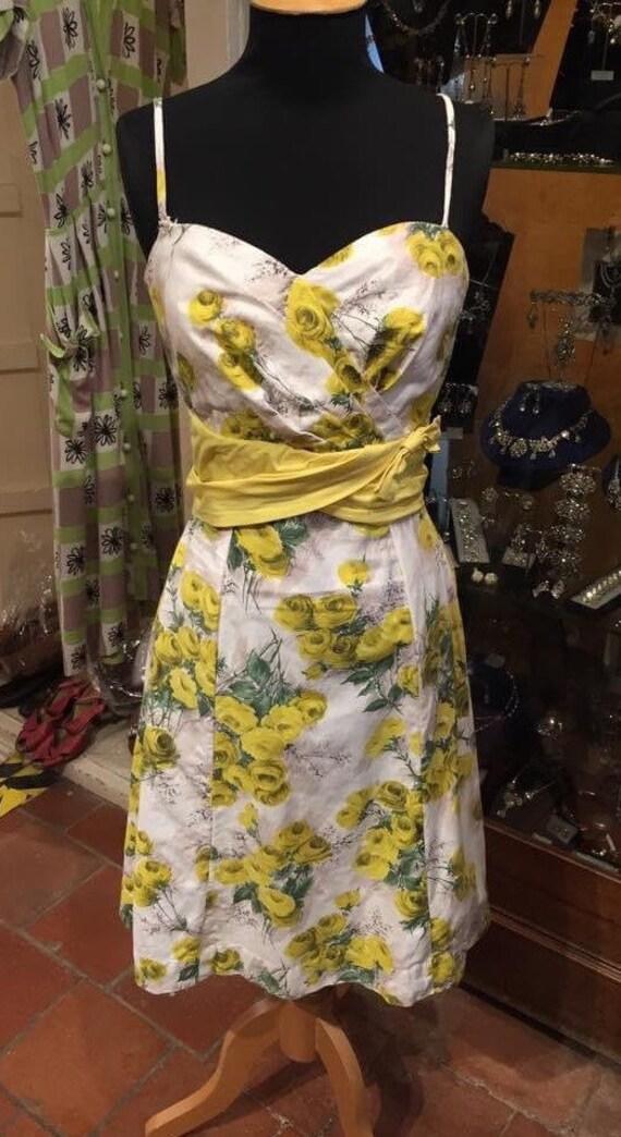 Pretty 1950s rose print dress