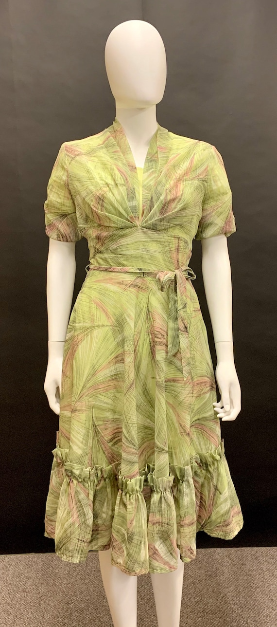 1940s nylon day dress
