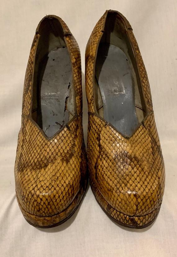 1940s snakeskin pumps - image 2
