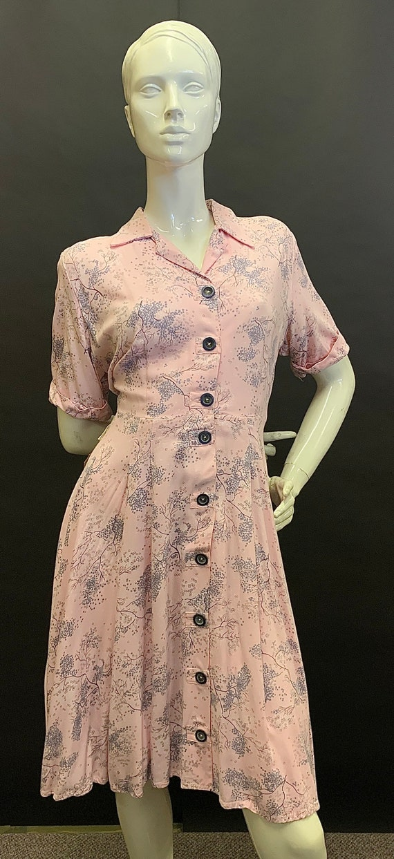 Cute volup 1940s dress