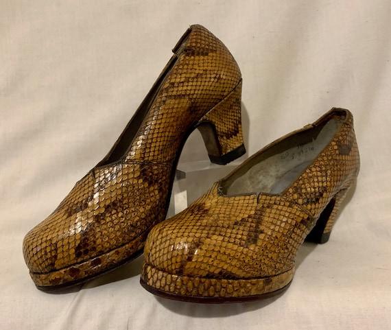 1940s snakeskin pumps - image 1