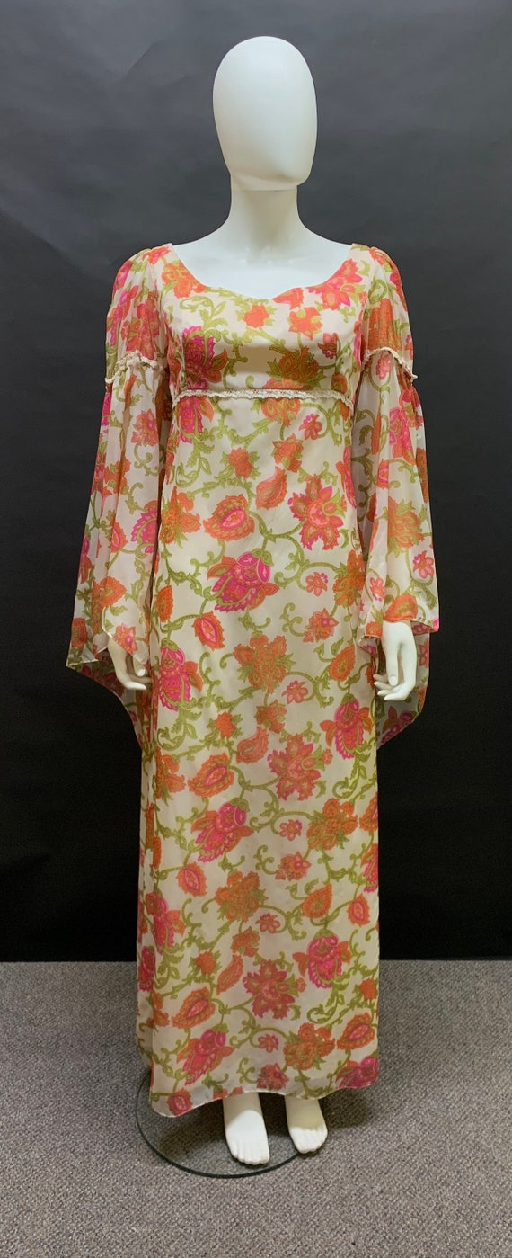 Gorgeous 1970s maxi dress