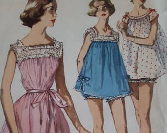 Vintage Pattern Simplicity 1553 Shortie Nightgown & Panties Size 11 Bust 29