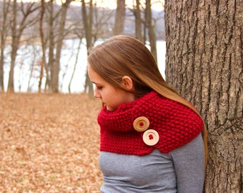Chunky Knit Scarf, Red Infinity Scarf, Knit Scarf, Red Scarf, Knit Cowl, Button Scarf, Women's Scarves, Winter Scarf, Fall Scarf