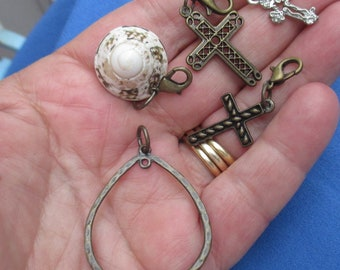 10oz Bag Mixed Metal Jewelry Supplies Vintage//Current Charms Pendants Spacers