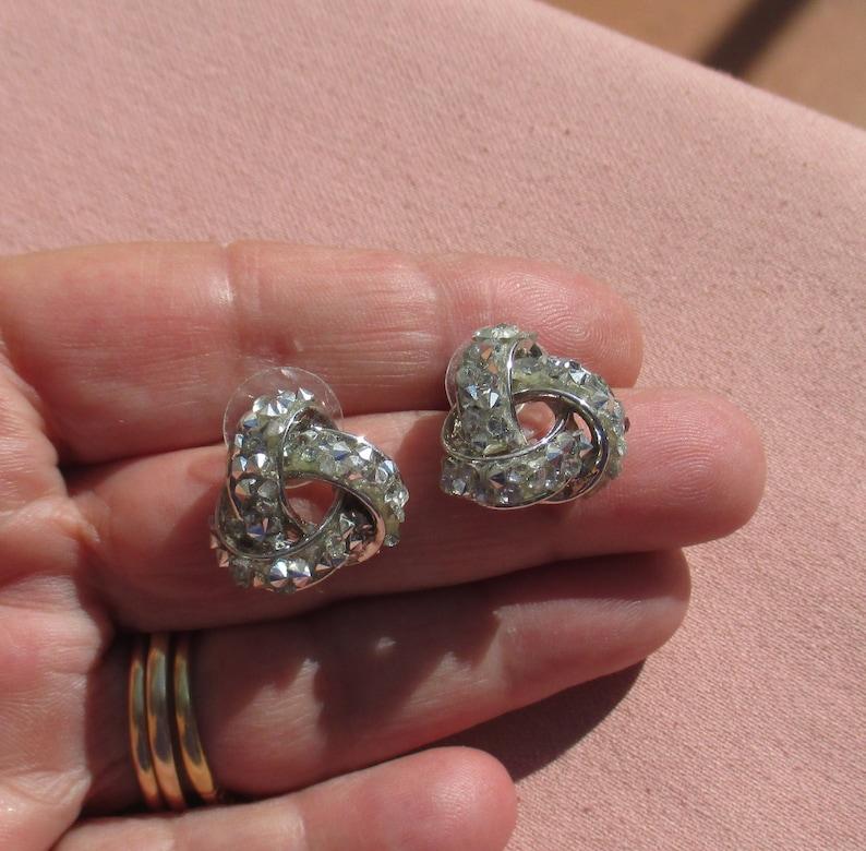 Retro Rhinestone /& Upside Down Rhinestone Knot Shaped Earrings TLC
