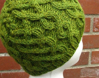 Women's Cabled Beanie (Wool Blend)