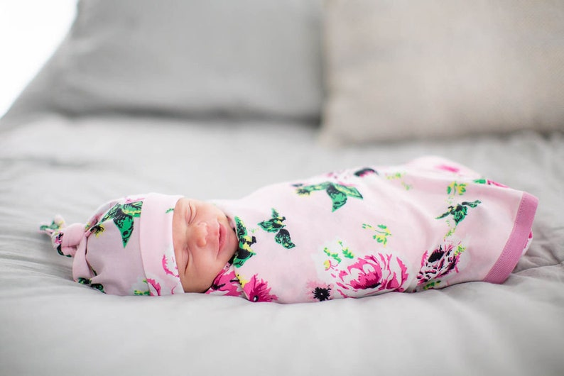 4 PC Set Mommy and Me,Baby Be Mine Amelia Maternity Nursing Delivery Robe and Matching Swaddle Blanket /& Newborn Hat Matching Headband