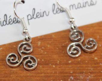 Triskel earrings / light and lovely