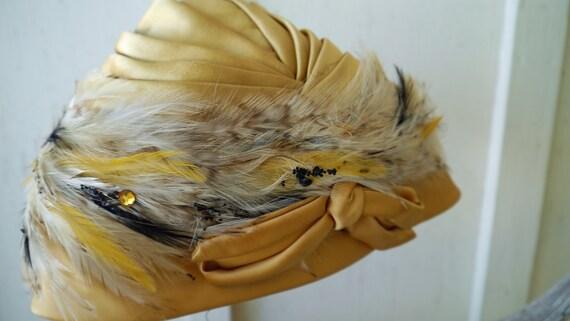 Gold Feather Turban Flapper Style Vintage Turban … - image 3