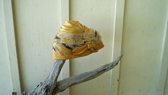 Gold Feather Turban Flapper Style Vintage Turban … - image 2