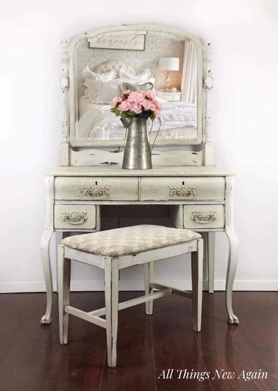 Awe Inspiring Vintage Vanity With Mirror And Bench White Vanity Table W Mirror White Vanity Desk Antique Vanity Painted White Cream Make Up Vanity Ibusinesslaw Wood Chair Design Ideas Ibusinesslaworg