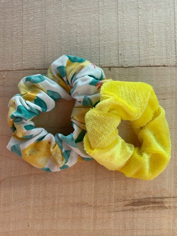 Lemon squeeze scrunchies
